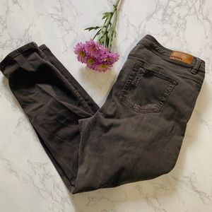 Dollhouse moss distressed skinny jeans 18